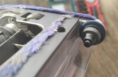 戴森吸尘器刷头怎么拆洗第十五步